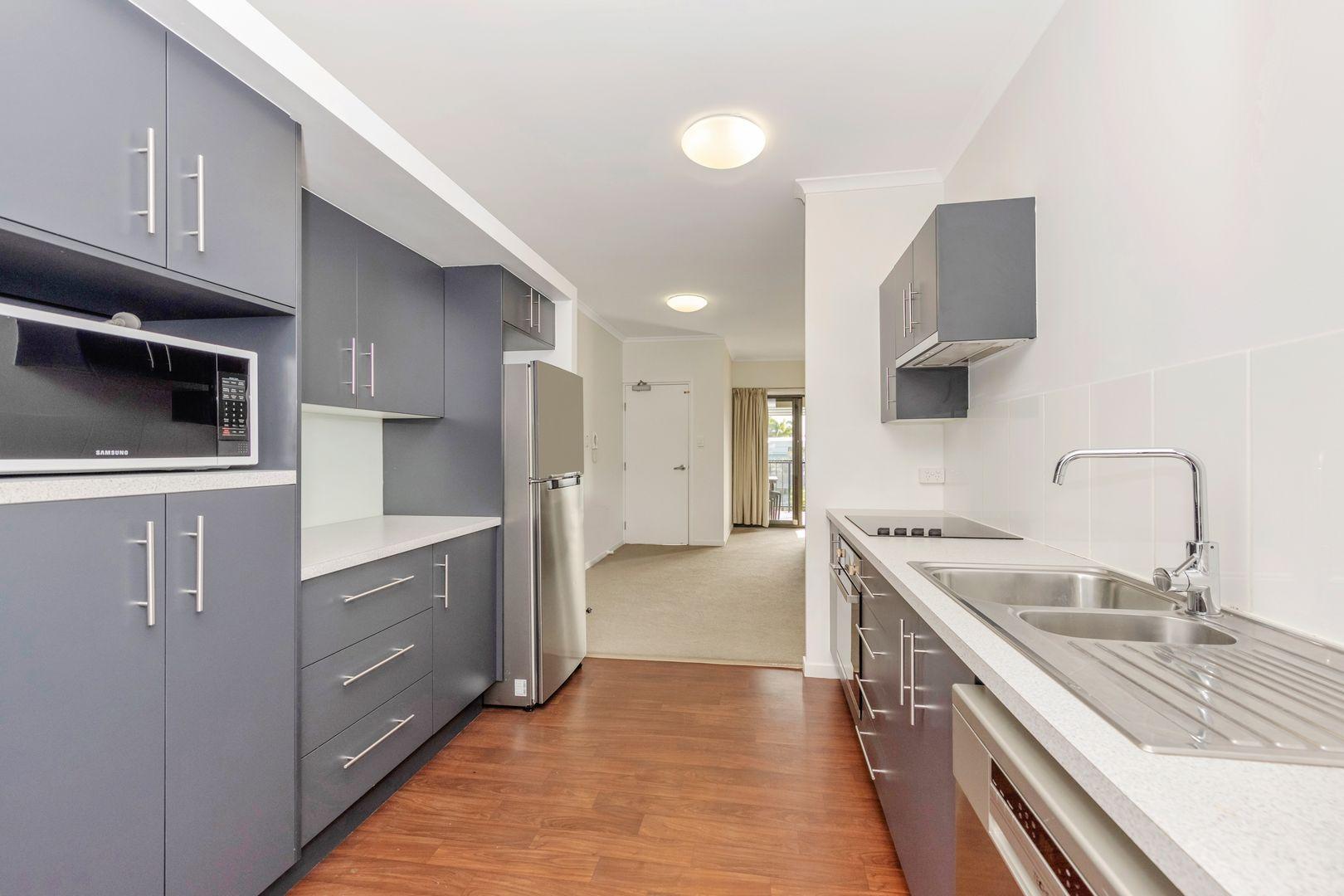 12/11 Carter Street, North Ward QLD 4810, Image 2