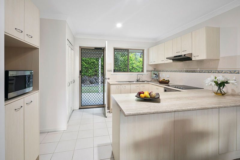 187/112 Whites Road, Manly QLD 4179, Image 2