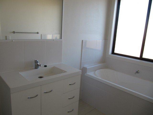 54 Victoria Avenue, Glen Eden QLD 4680, Image 5