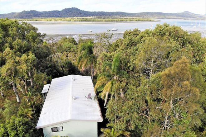 Picture of 7 Inlet Ave, RUSSELL ISLAND QLD 4184