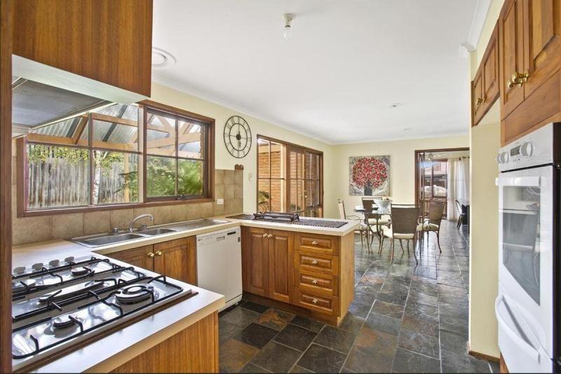 58 Campaspe Drive, Croydon Hills VIC 3136, Image 2