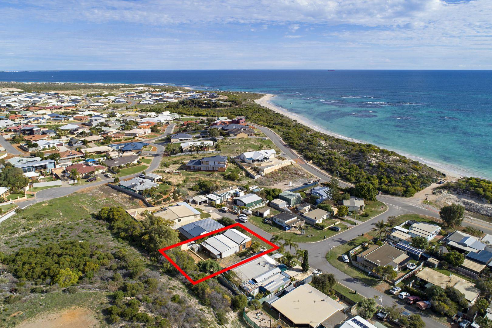 14 Seacrest Way, Drummond Cove WA 6532, Image 2