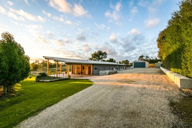 Picture of 12 Patison Court, DROUIN VIC 3818