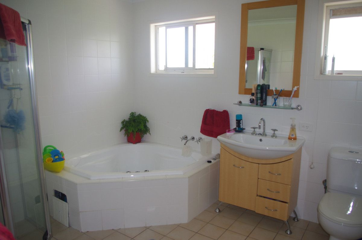 28 Queen Street, Cleveland QLD 4163, Image 2