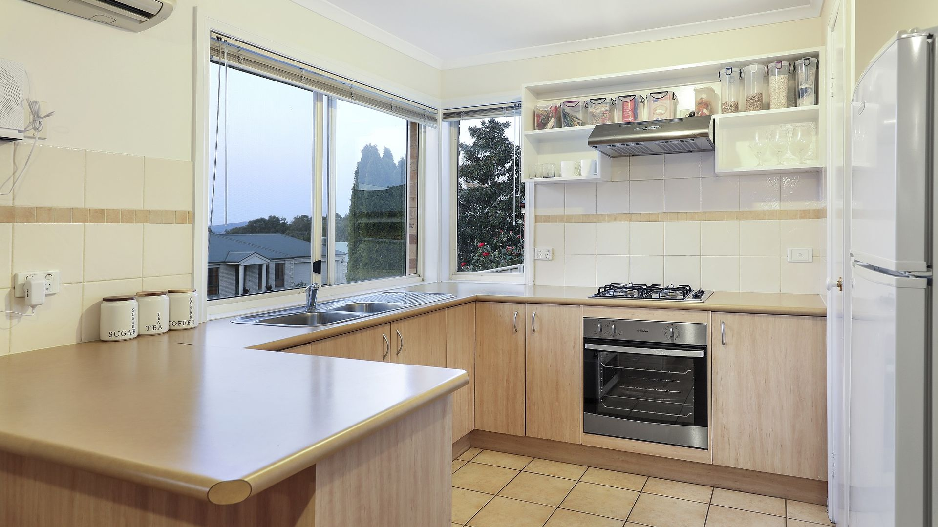87 Barton  Street, Wodonga VIC 3690, Image 2