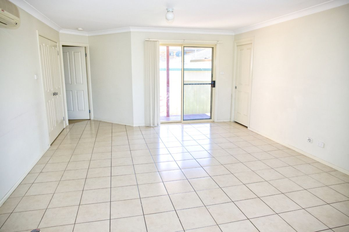 1/2 Lee Ann Crescent, Cessnock NSW 2325, Image 2