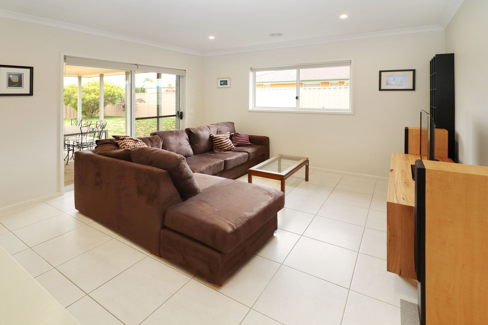 11 Hereford Street, Bungendore NSW 2621, Image 2