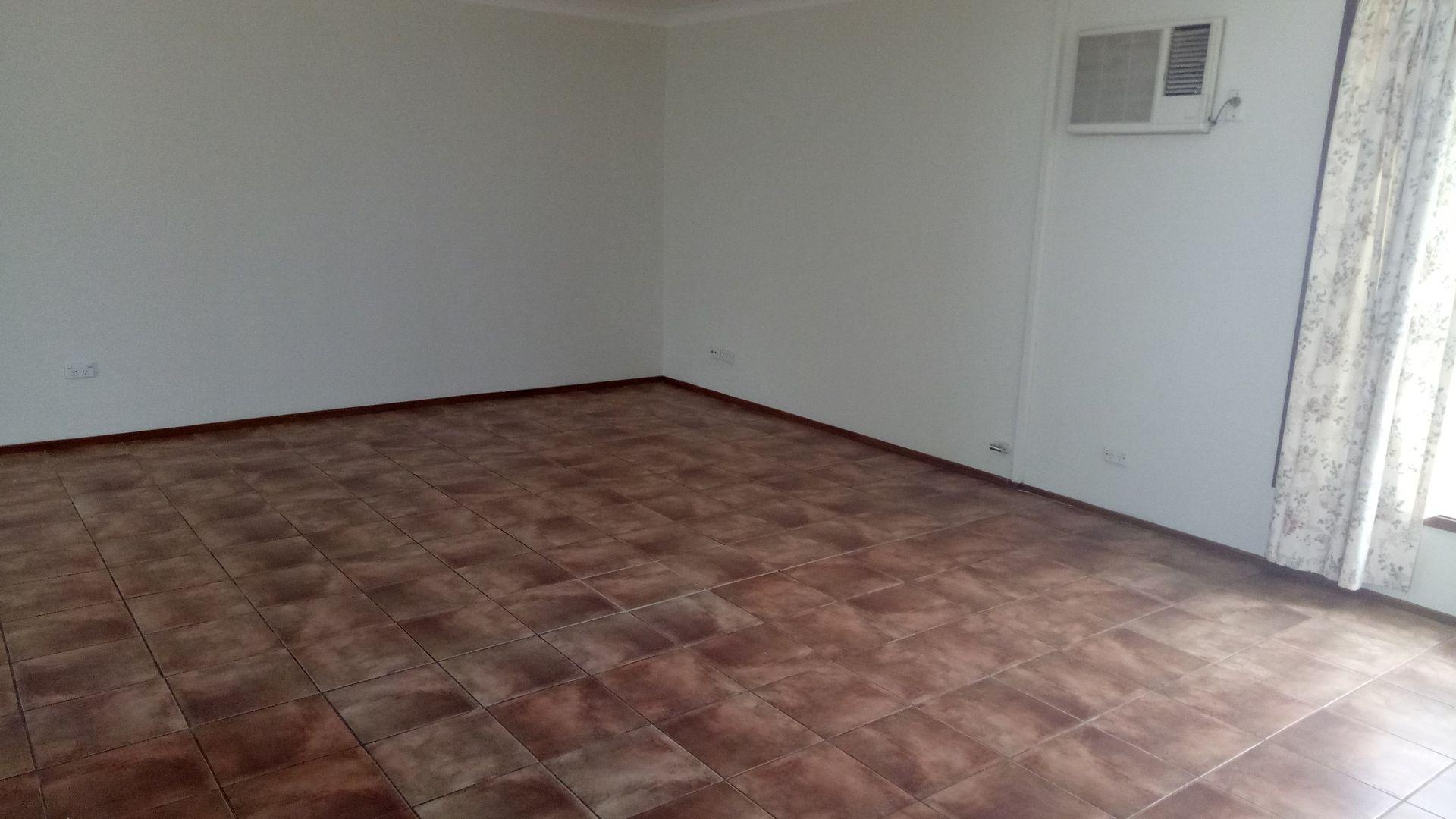 8 Adrienne Street, Glendenning NSW 2761, Image 2