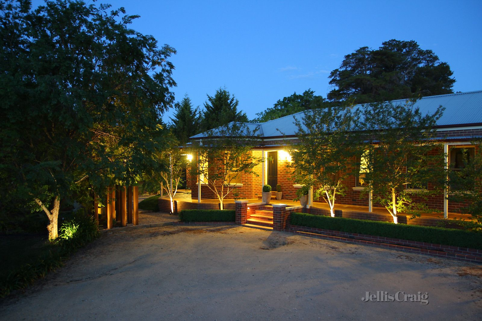 10 Mitchell Parade, Castlemaine VIC 3450, Image 0