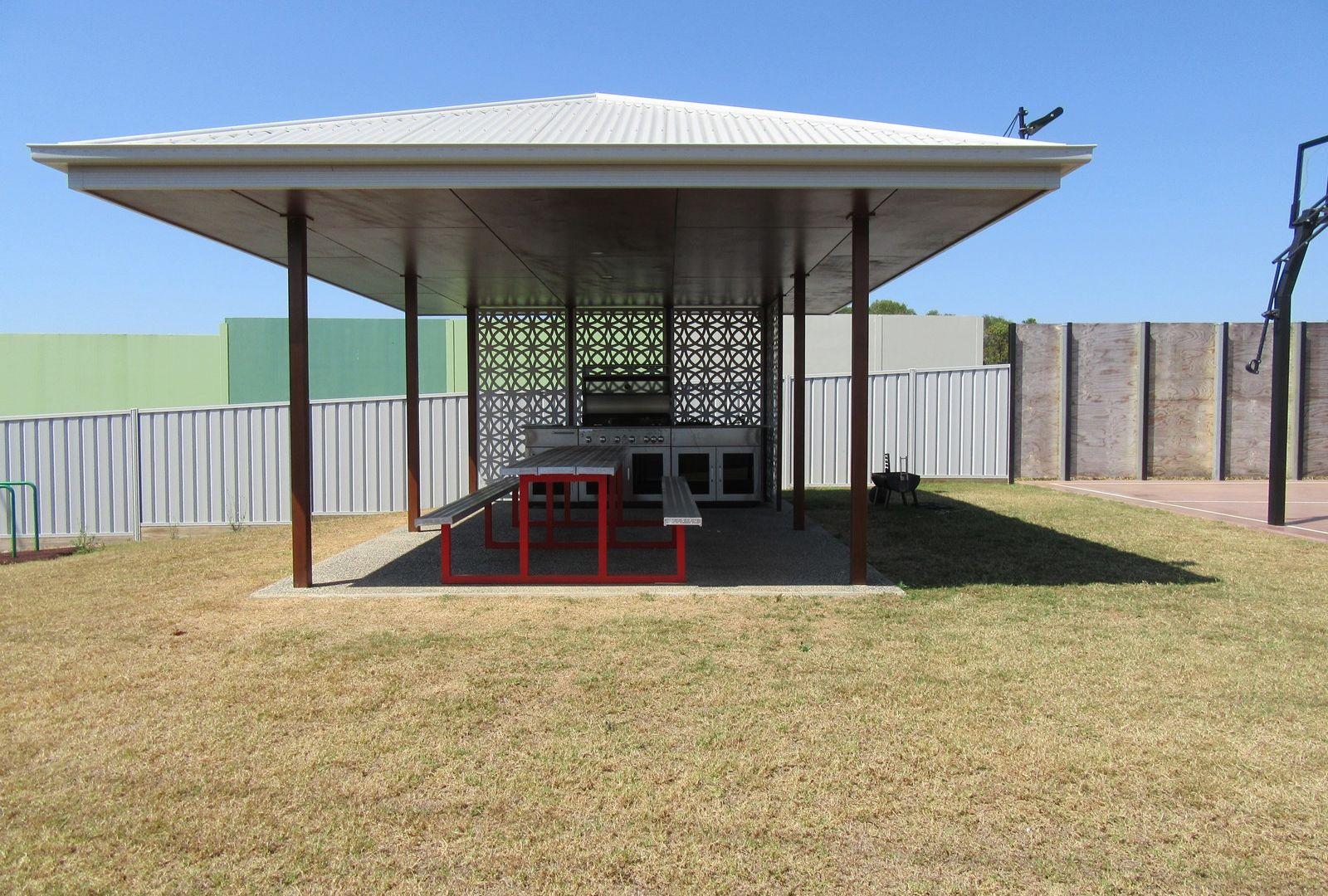 Unit 1/112 Greathead Road, Ashfield QLD 4670, Image 2