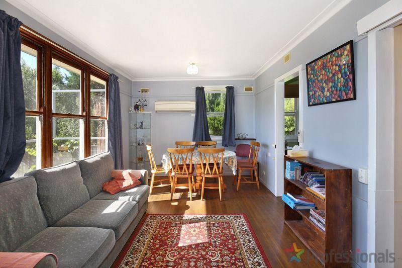 12 Douglas Street, Armidale NSW 2350, Image 2