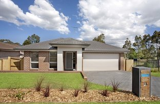 Picture of 11 Jarvisfield Place, Macquarie Links NSW 2565