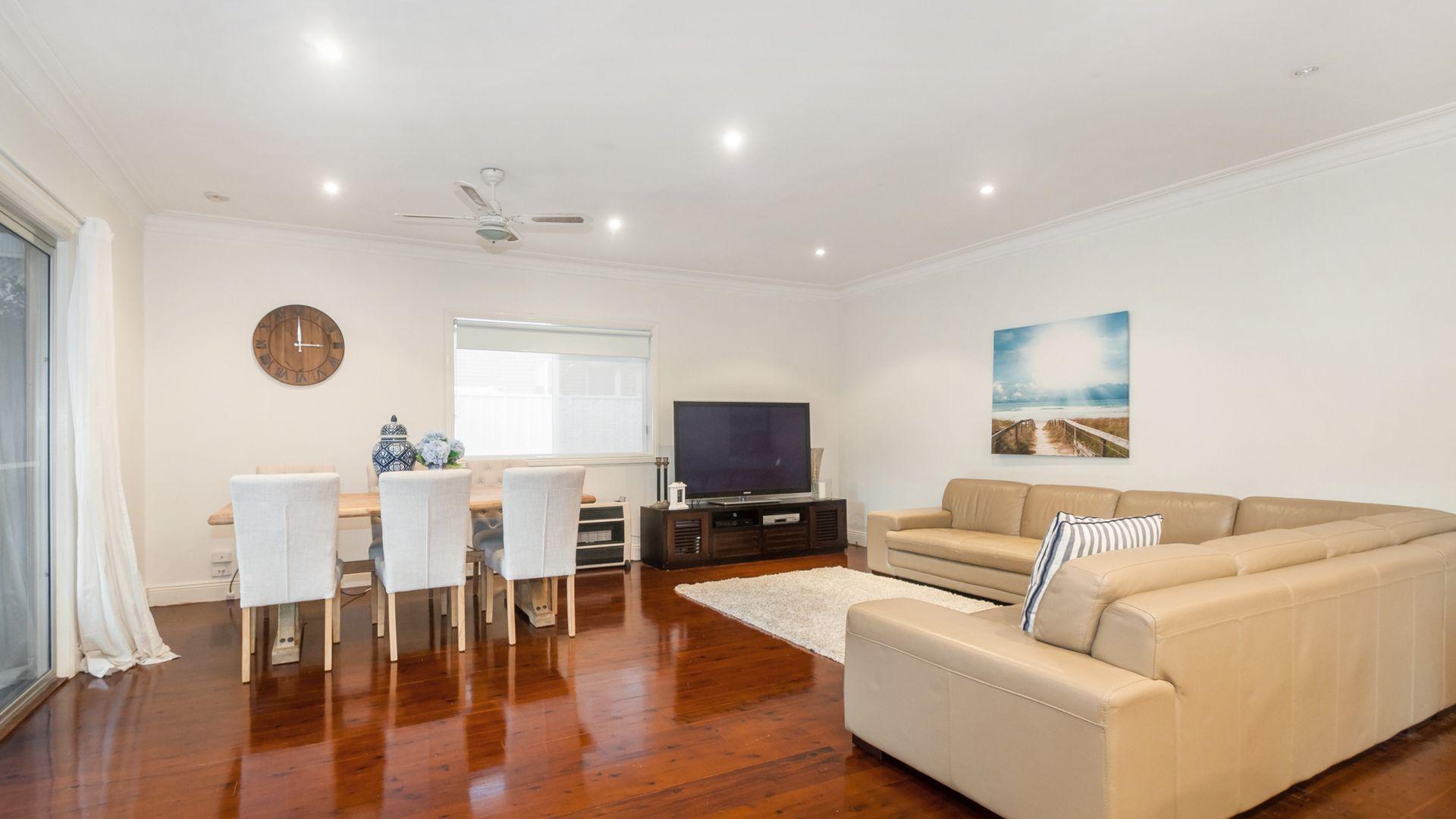 24 Bloomfield Avenue, Corrimal NSW 2518, Image 2
