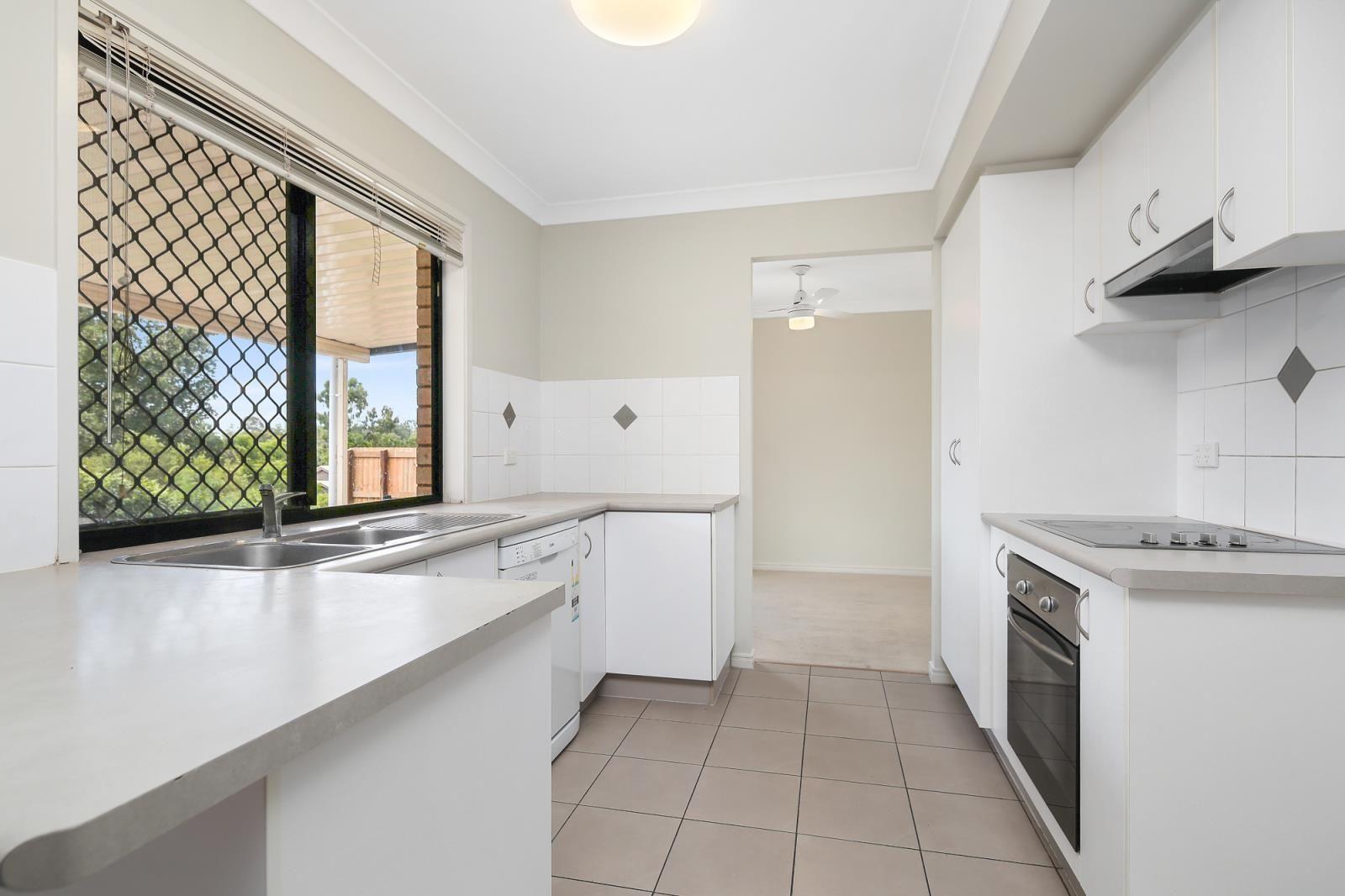17B Golden Crest Place, Bellbowrie QLD 4070, Image 1