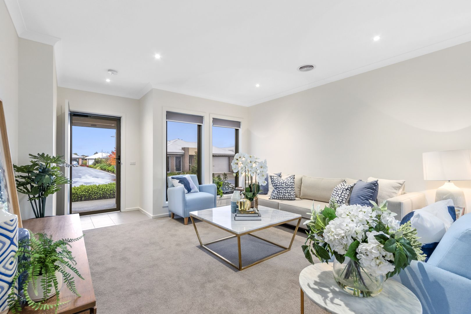 147/5 Harmony Chase, Clyde North VIC 3978, Image 0