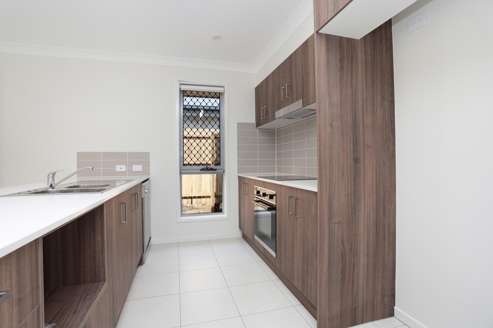 3 Lani Street, Park Ridge QLD 4125, Image 2