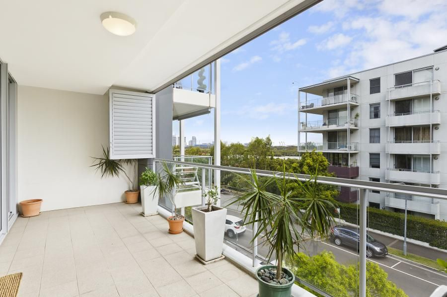 303/2 Rider Boulevard, Rhodes NSW 2138, Image 0