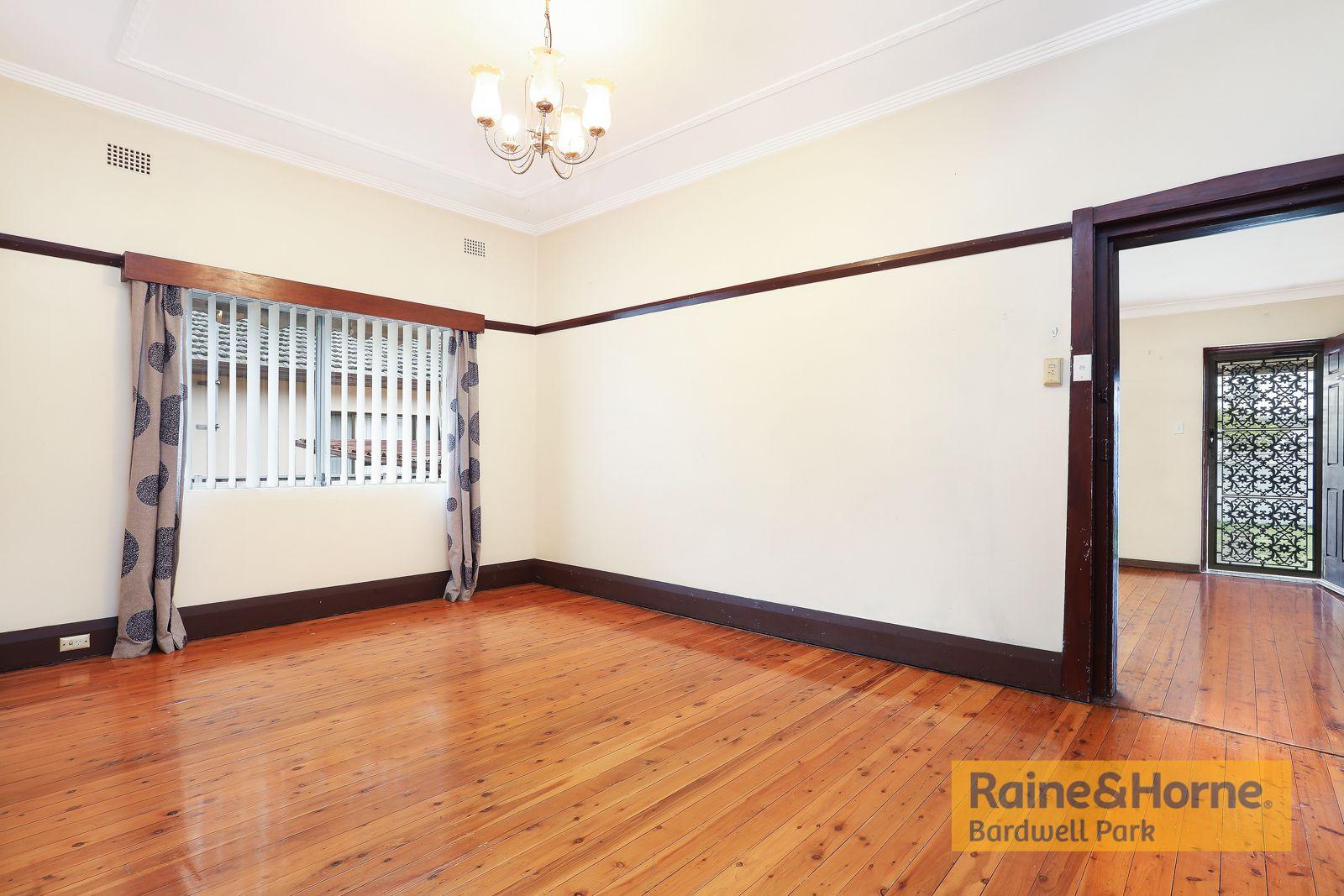 6 Scahill Street, Campsie NSW 2194, Image 2