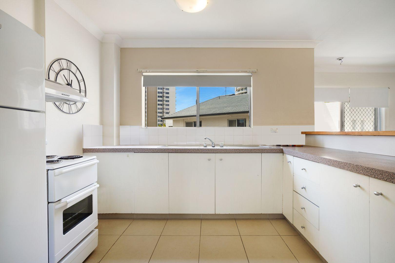 6/9 Australia Avenue, Broadbeach QLD 4218, Image 1