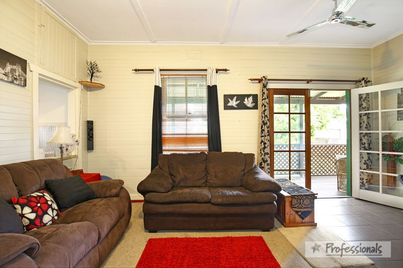 18 Samuelson Crescent, Armidale NSW 2350, Image 2