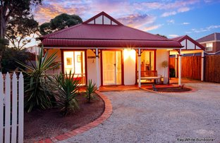 Picture of 6 Silvertop Court, Mill Park VIC 3082