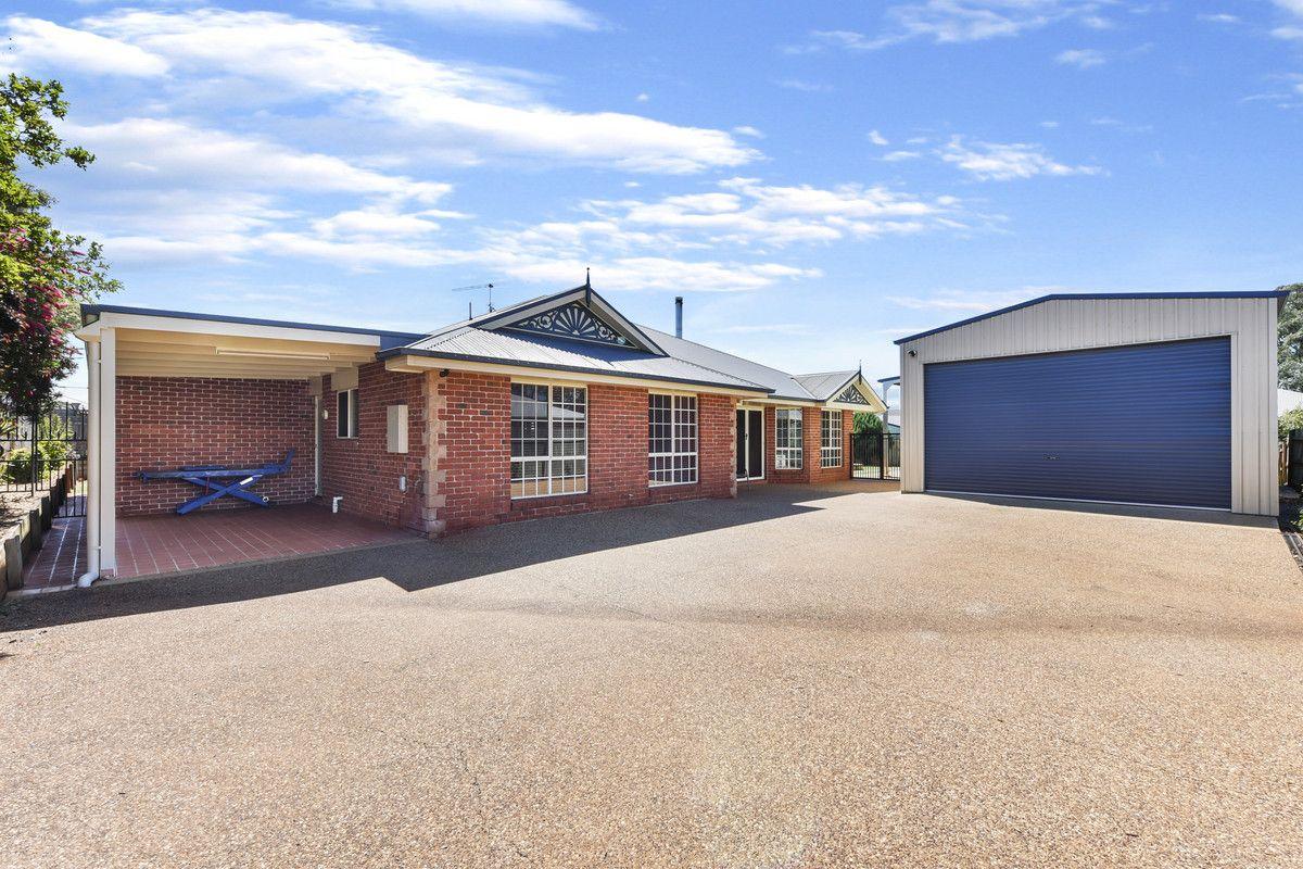 10 Manooka Crescent, Highfields QLD 4352, Image 1