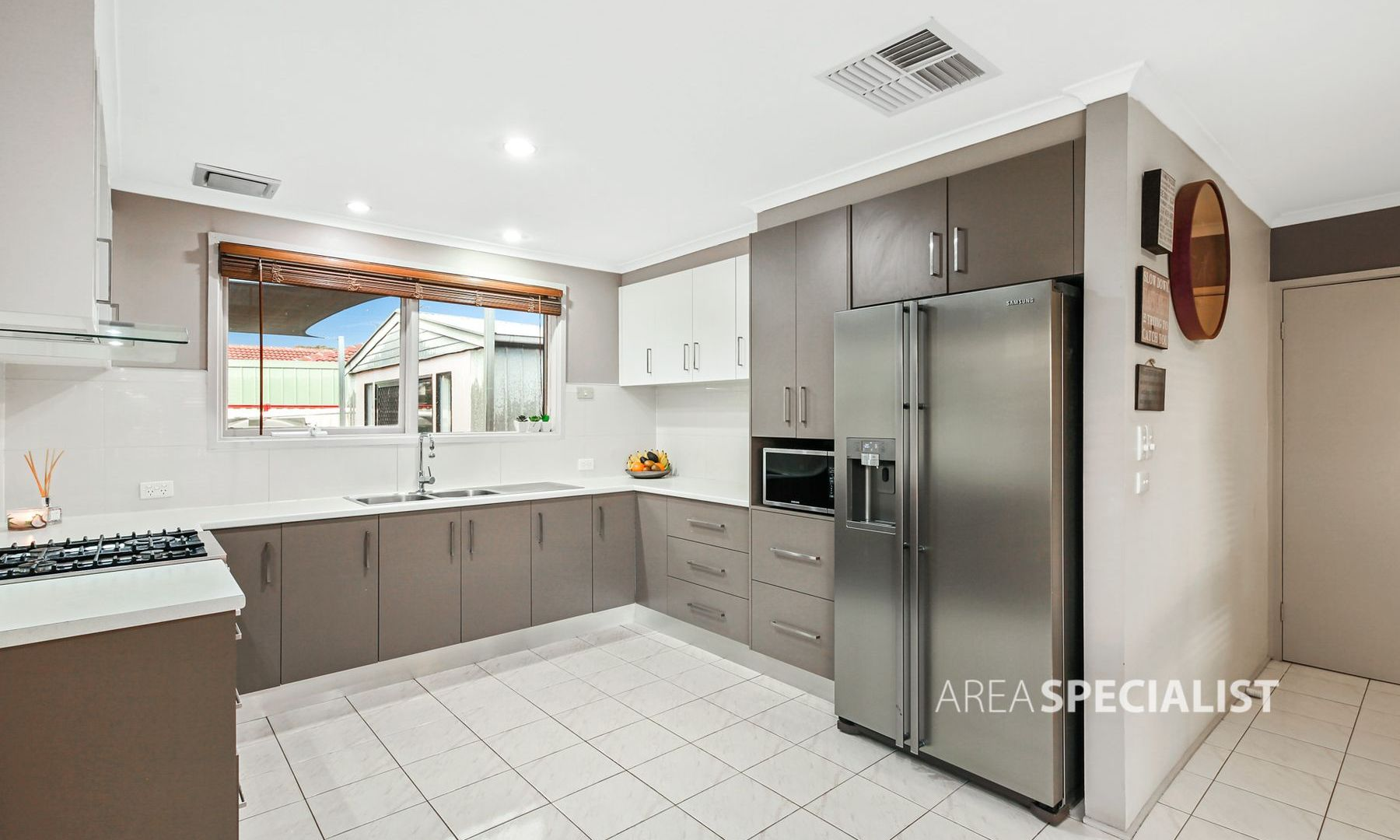1 Westview Court, Springvale South VIC 3172, Image 2