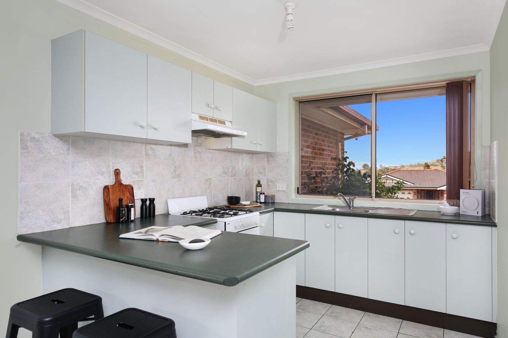 122 Burdekin Drive, Albion Park NSW 2527, Image 2