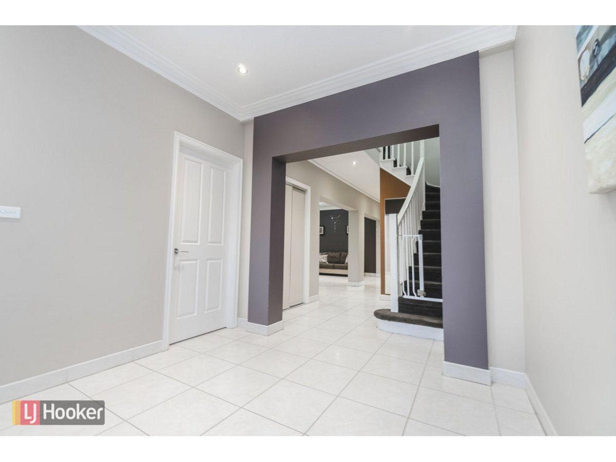 13 Bentley Avenue, Roxburgh Park VIC 3064, Image 2