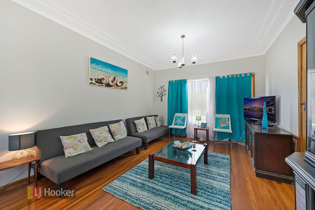 2 Ballandella Road, Toongabbie NSW 2146, Image 2
