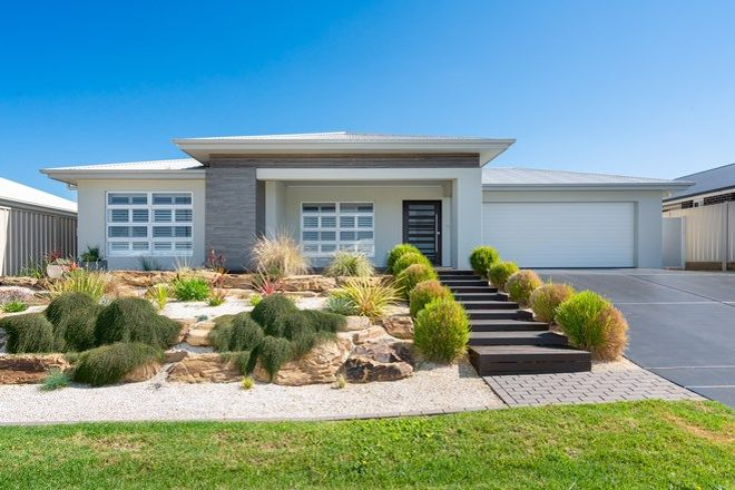 Picture of 14 Ross Parkway, GOBBAGOMBALIN NSW 2650