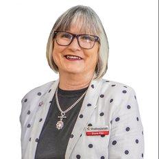Diane Pihl, Sales Professional