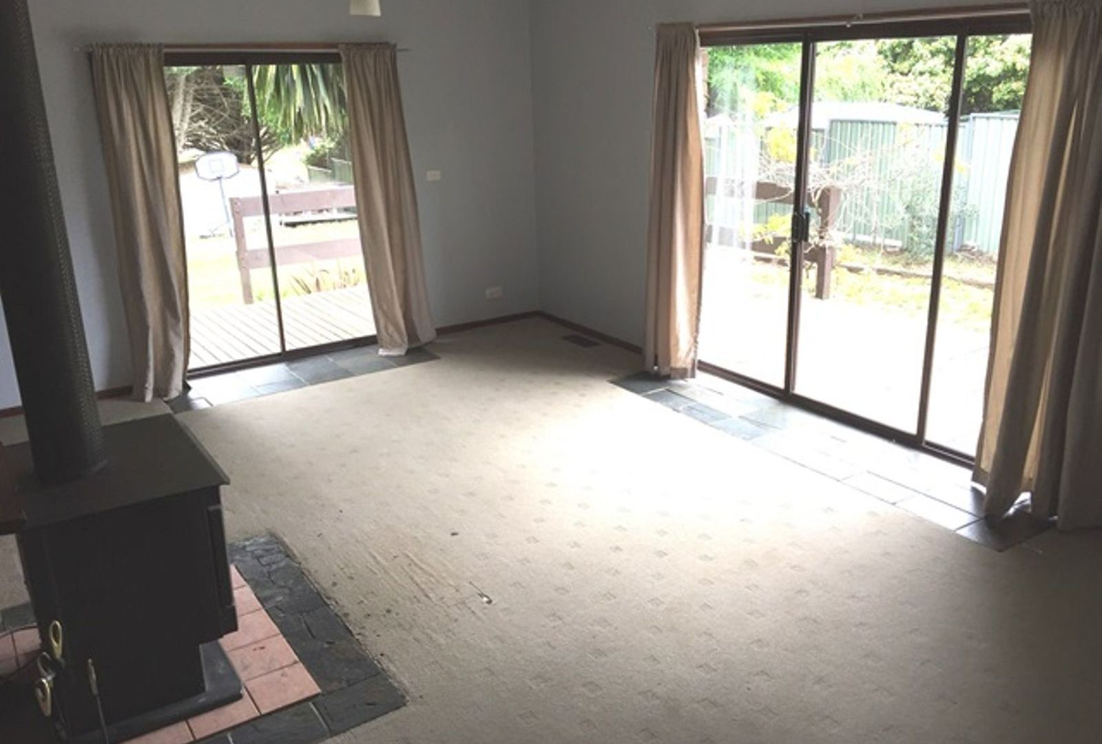 19 Blenheim Avenue, Oberon NSW 2787, Image 2