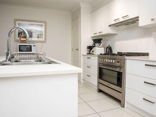35 Stradbroke St, Redland Bay QLD 4165, Image 2