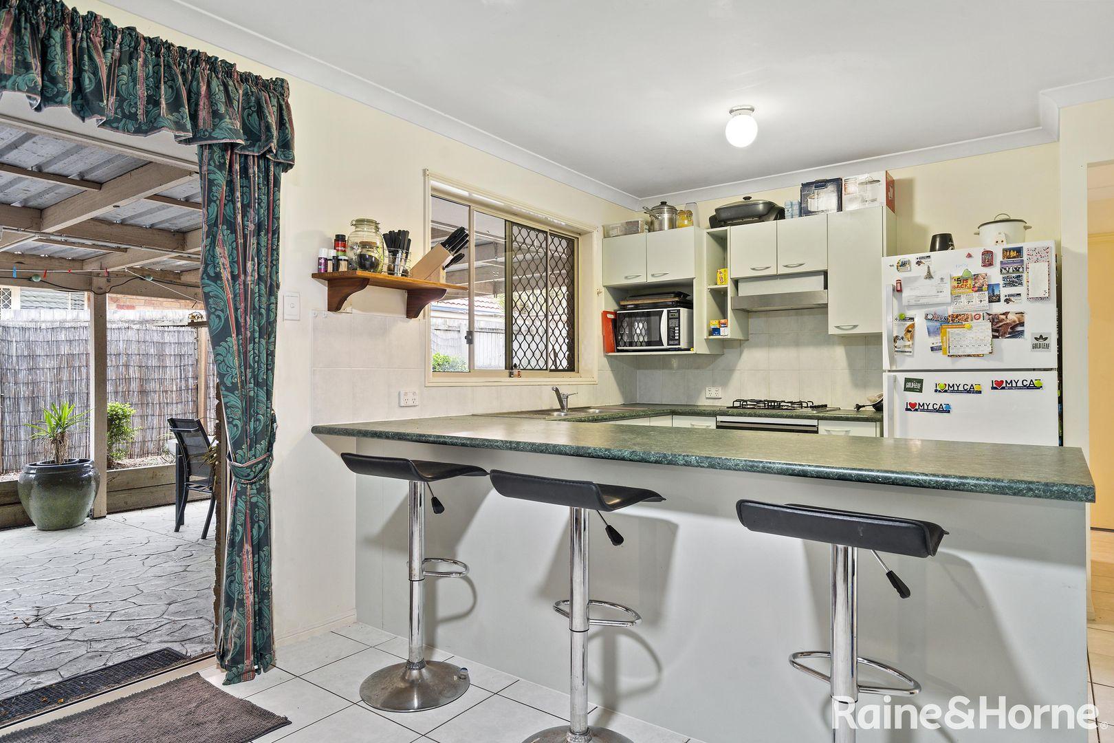 9 Regal Drive, Regents Park QLD 4118, Image 2