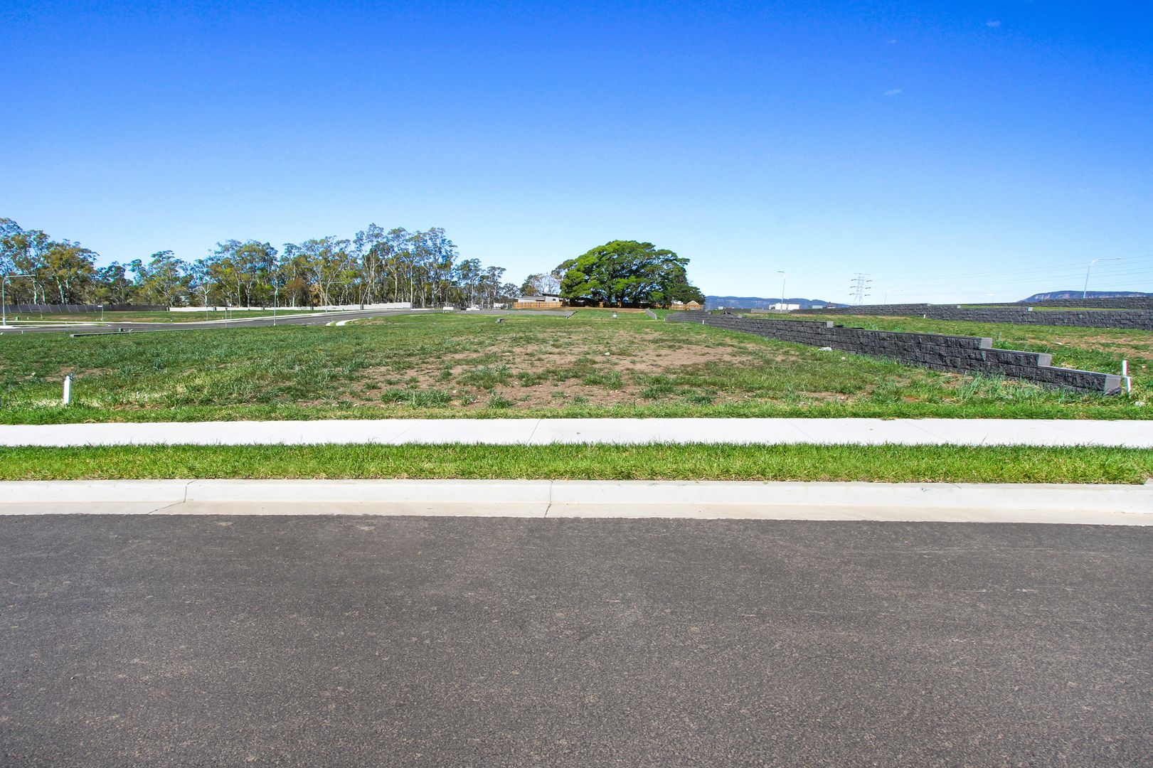 5 Bentley Road, Kembla Grange NSW 2526, Image 0