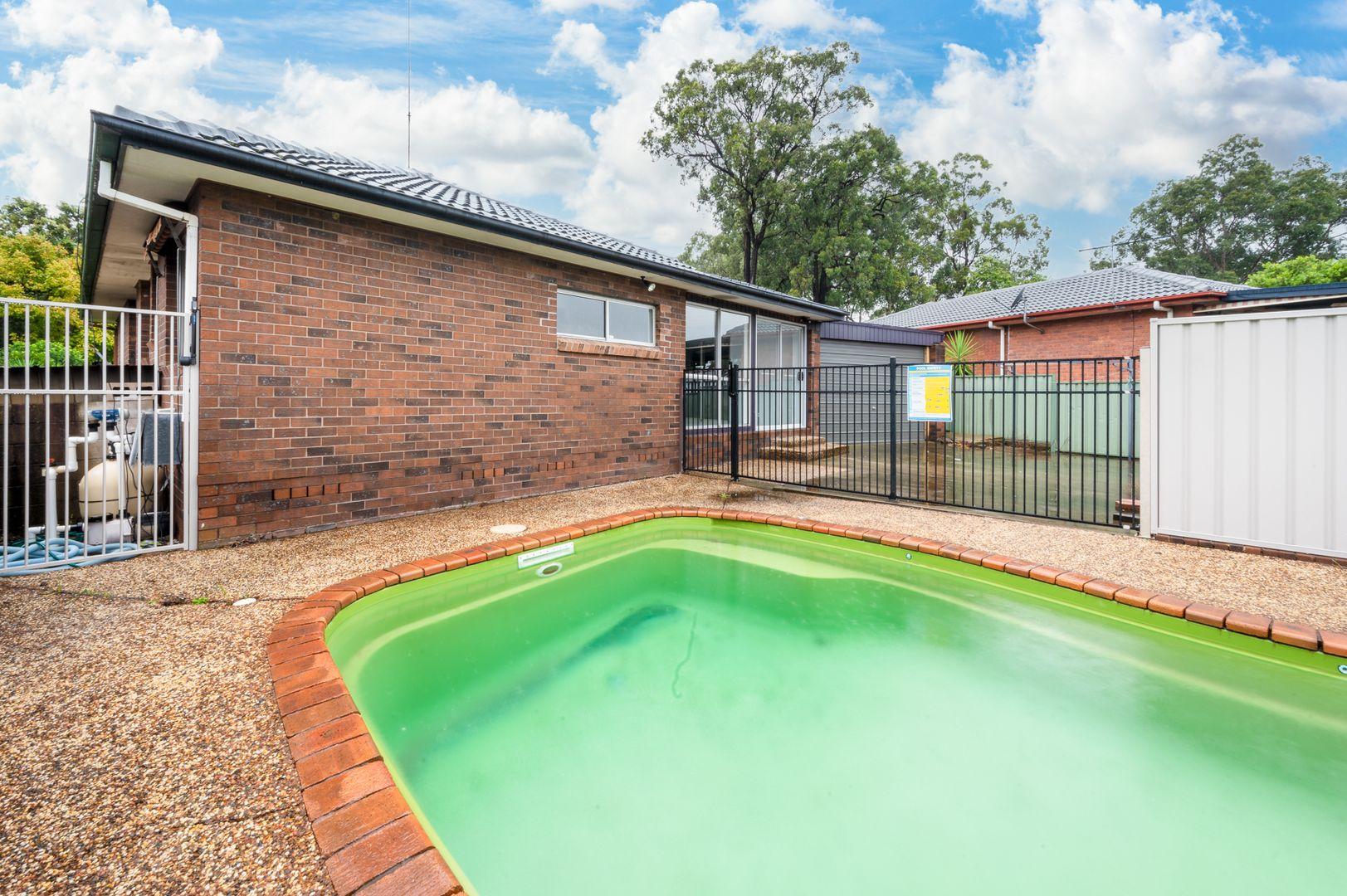 4 Woolley Close, Thornton NSW 2322, Image 2