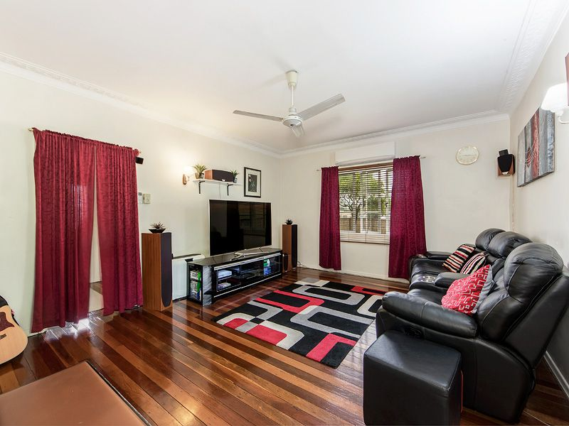 68 Price Street, Oxley QLD 4075, Image 2