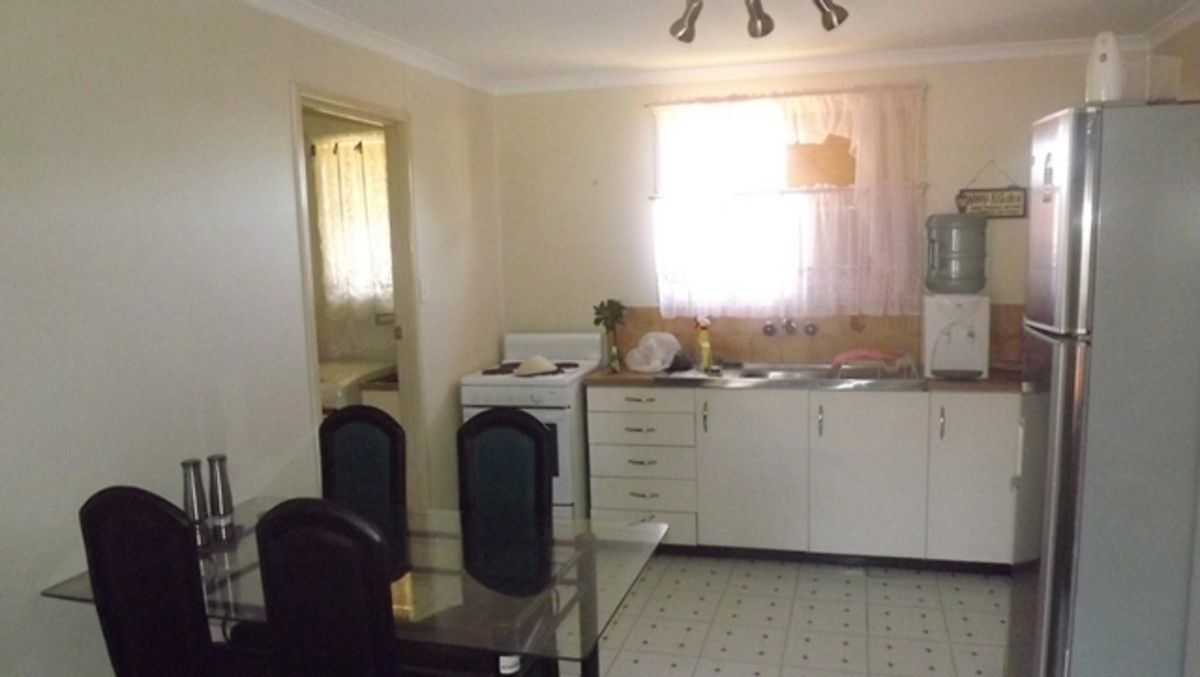 Unit 2/1 Hawker Street, Wilsonton Heights QLD 4350, Image 1