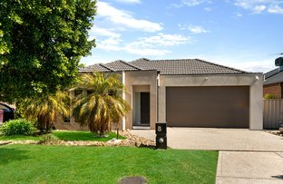 Picture of 8 Matlock Street, Caroline Springs VIC 3023