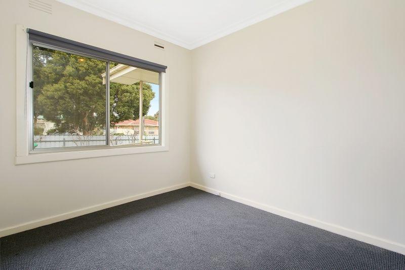 497 Prune Street, Lavington NSW 2641, Image 2