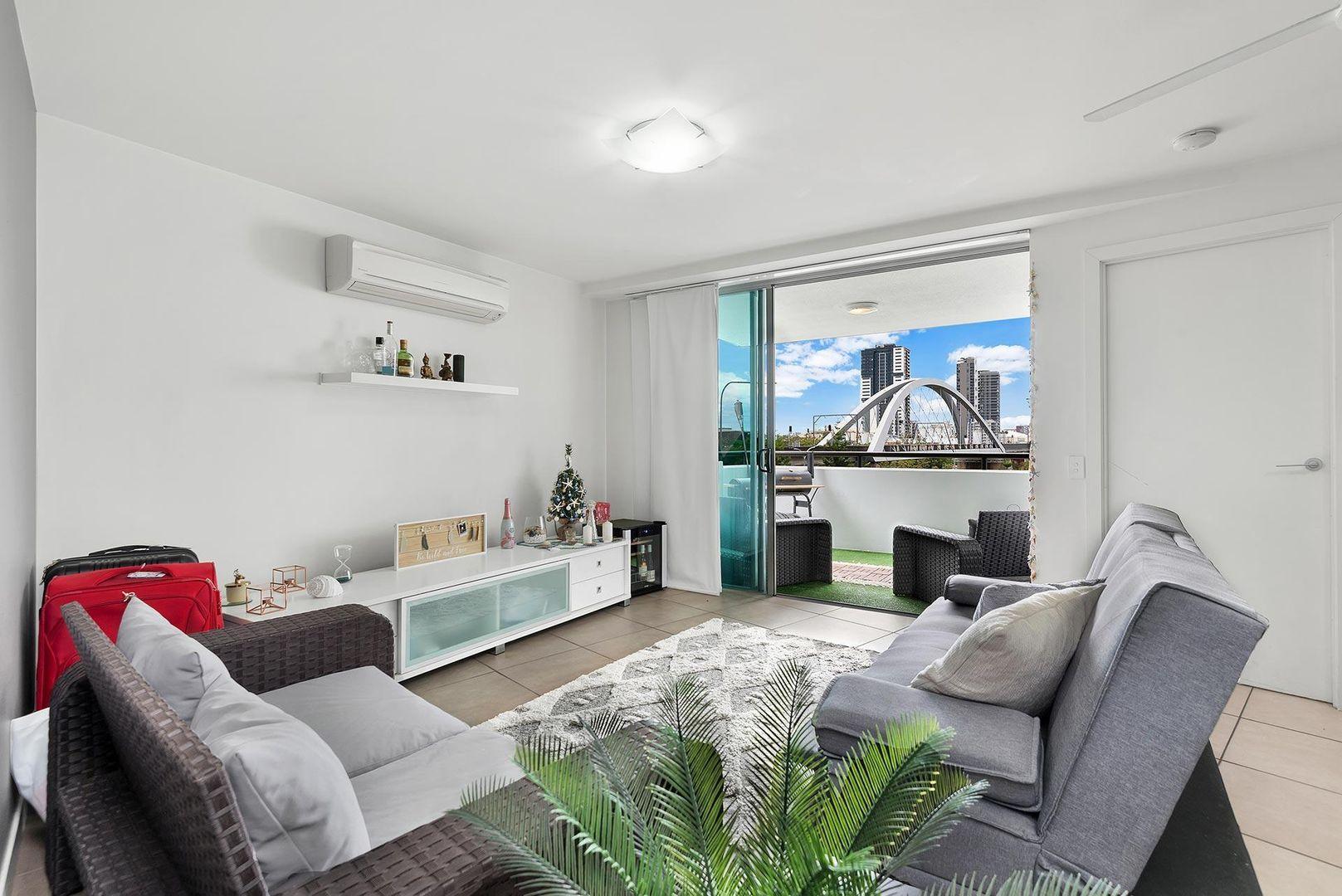 2205/92 Quay Street, Brisbane City QLD 4000, Image 0