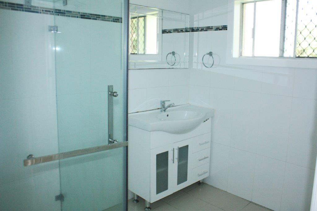 21 Kumbari Avenue, Southport QLD 4215, Image 1