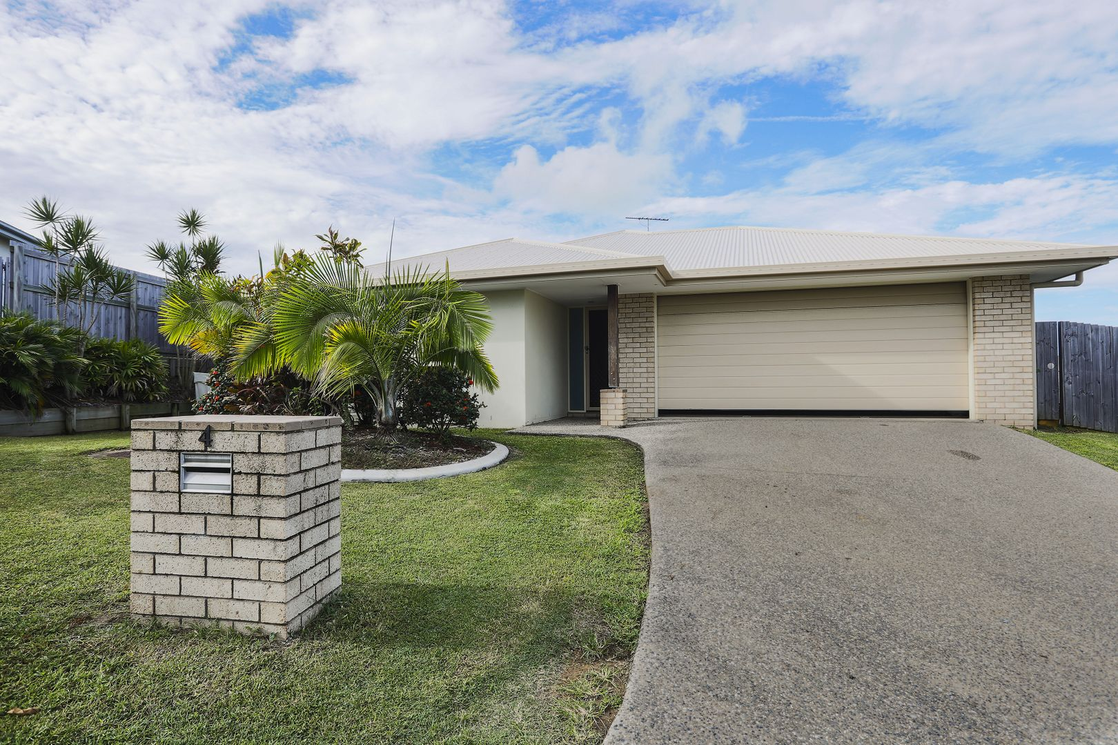 4 Bonney Street, Rural View QLD 4740, Image 0