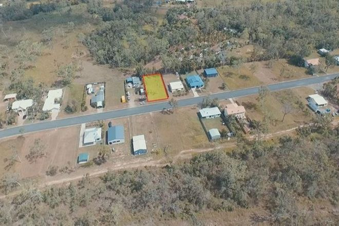 Picture of 48 Marine Parade, MIDGE POINT QLD 4799