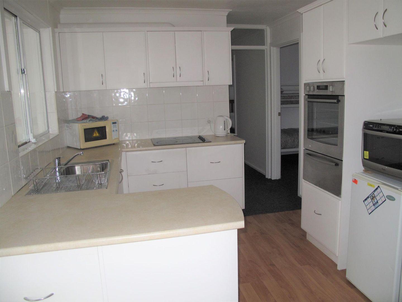 42 Cumberland Road, Port Clinton SA 5570, Image 2
