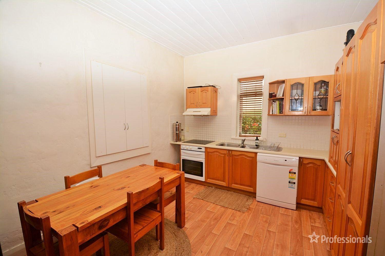 9 Sutcliffe Street, Lithgow NSW 2790, Image 2