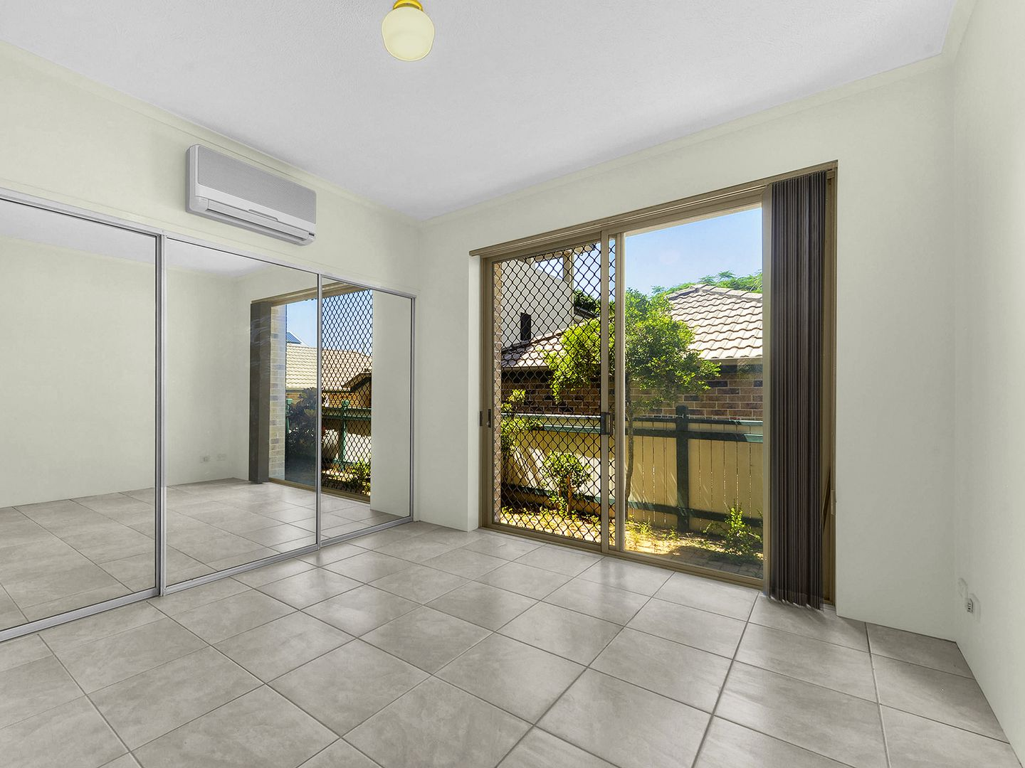 2/15 Reeve Street, Clayfield QLD 4011, Image 0