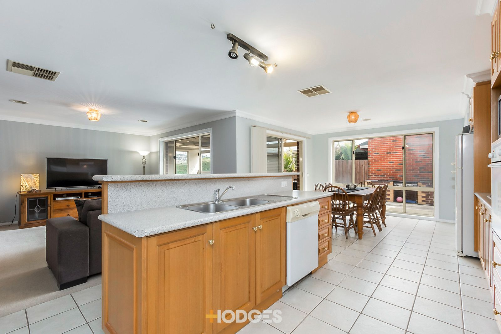 12 Nolan Place, Lovely Banks VIC 3213, Image 2