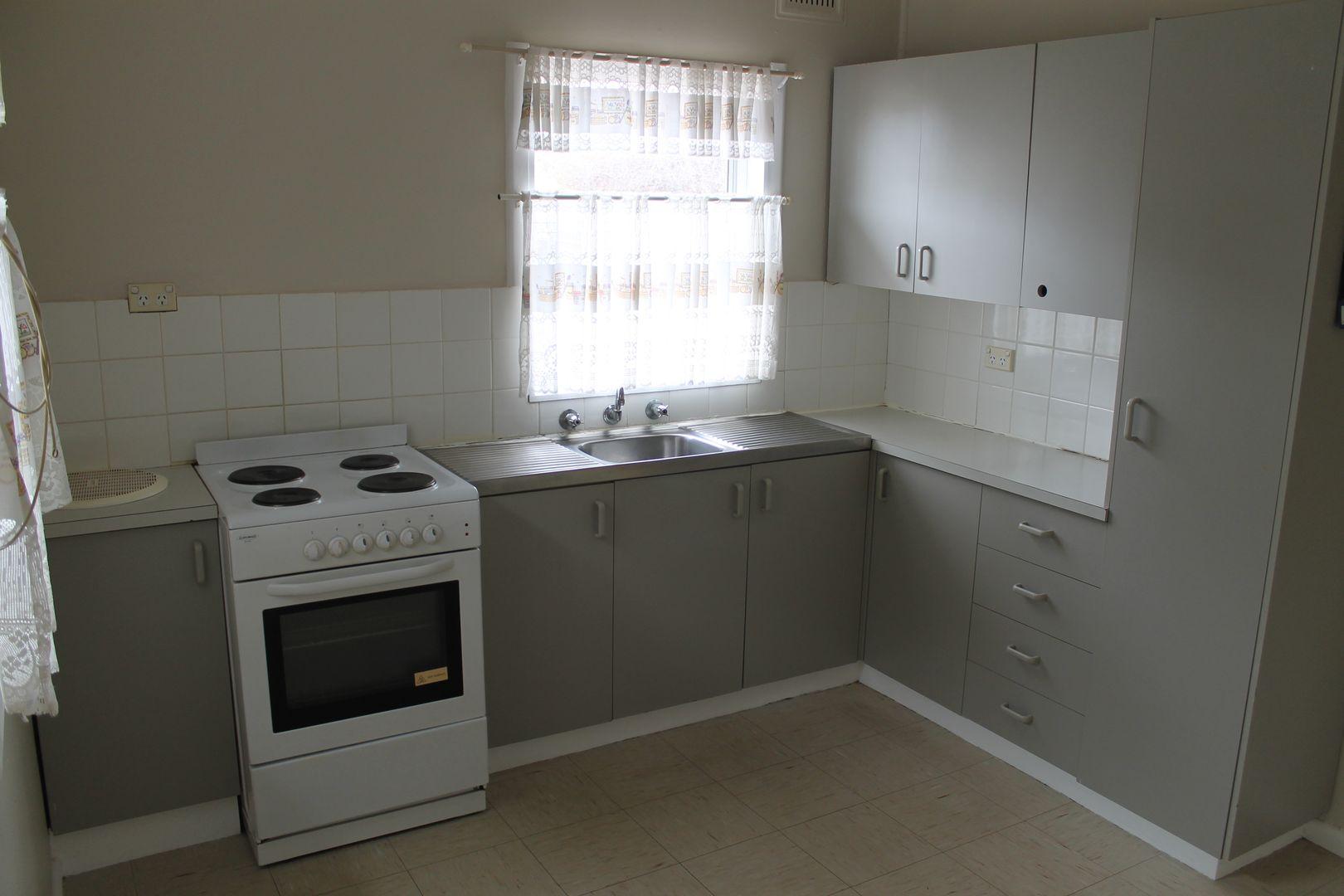 9 Alldis Street, Condobolin NSW 2877, Image 2